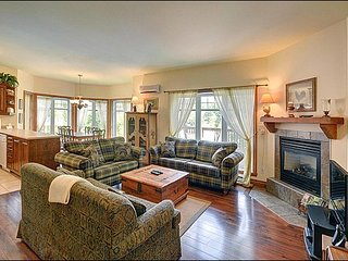 Amazing views of the Region and the Ski Slopes- 3 min Drive to Resort (215690)
