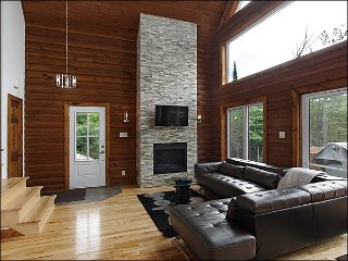 Beautiful Lac Wheeler 500 meters Away / Ski Morin-Heights 2 kms Away (215870)