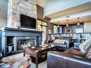 Best Location in Tremblant, Ski In/Out, Steps from Village (222514)