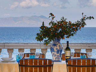 Luxury villa near the sea and the beach with wonderful view of Aeolian Island