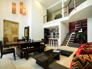 Condo Boutique Via 38 - 2 Bedroom, Luxury Loft Merida