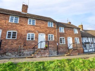 48 WYRE HILL, Grade II listed, two bedrooms, lawned garden, in Bewdley, Ref