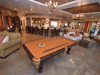 Luxury 4 Bdrm Ocean Front Condo Las Palomas Phase 2, **Best Location!**
