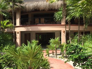 The Beautiful Beachfront Main House of Nah Uxibal, great for families or friends
