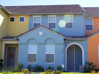 Beautiful 4 BR, New Townhouse, Resort Style, Davenport