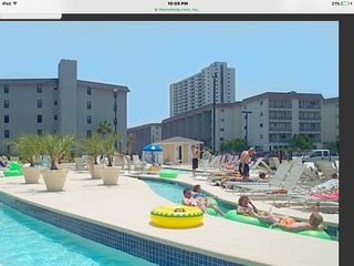 Myrtel beach resorts two bedroom condo 1st floor next to water park easy access