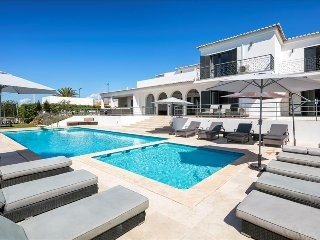 Vivenda Lucas - Wheelchair friendly 6 bedroom property close to Albufeira, golf