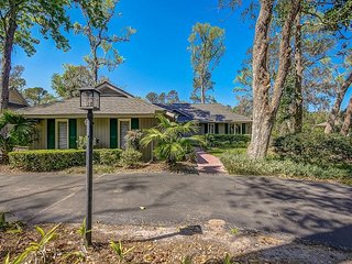 New to Market, New Everything! Golf Views, Free Bikes, Pool Access. 24 Willow