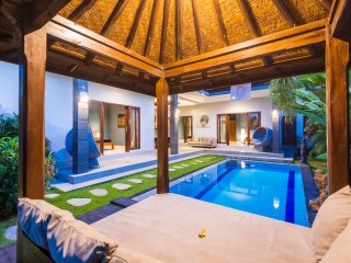 Oshun Villa *BEACH 200m *TOP PLACE, Canggu