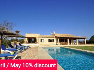 Last Minute 10% April & May. Beautiful house in Ses Salines for 8 people with
