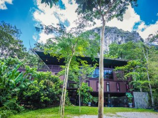 Templer Park Rainforest Retreat - Container, Rawang
