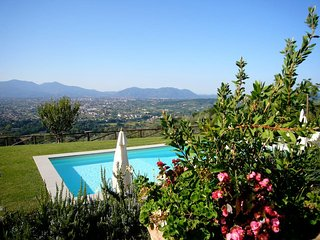 Villa Vany, traditional farmhouse with pool up to 11 people. Great panorama!