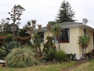 The Cactus Gardens - well located cosy holiday home for families, mountainbikers, Rotorua