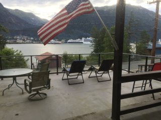 "Douglas Island Retreat  ""Alaskan Blue Heron Room"" Awesome view of  Juneau Sights"