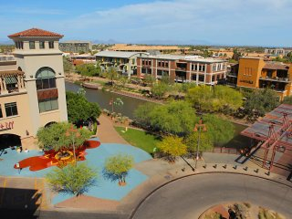 Immaculate one bedroom paradise -BEST Fashion Square location- view of camelback