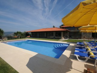 Balugaes Villa Sleeps 7 with Pool Air Con and WiFi