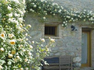 Ca' Minù, roses's home in Nogarolo di Tarzo, wifi, climate, garden. pets welcome