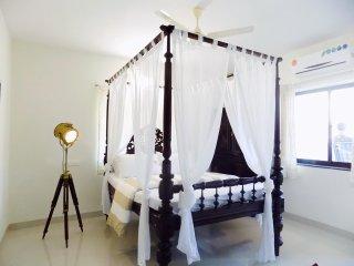 Entire place for 4 near Beach, Goa, Candolim