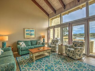 1606 Port Villa - Stunning views of Braddock Cove & Steps to the Marina.