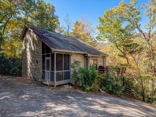 4 Bedroom 3 Full Bath, Montreat