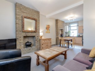 Spacious One-bedroom in Zone 1 London