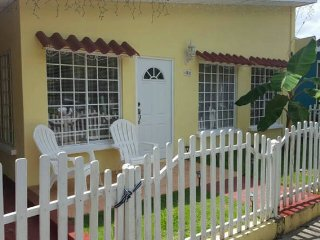 House in gated community half a mile from airport, Managua