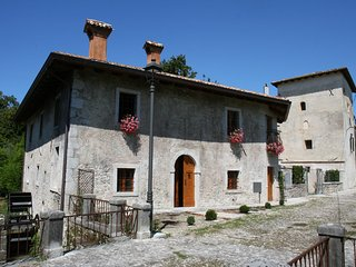 Lovely rice mill with garden in castle complex near to seaside and Venice