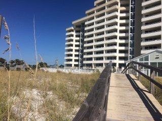 Beach Front 3BR/3B 1900sf End Unit, Large Balconies Facing the Gulf