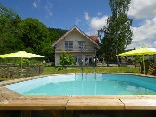 SUPERBE Chalet 4* luxe au calme,sauna,piscine privee 28°,petanque,aire/jeux...