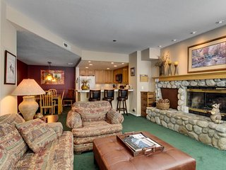 Lovely vacation home with shared summer pool/hot tub/sauna and a game room!