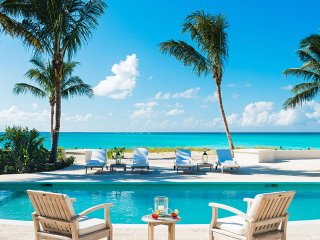 Luxury 5 bedroom Turks and Caicos villa. Luxury Beachfront!