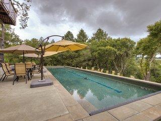 Healdsburg home with pool and views 10 min. to plaza