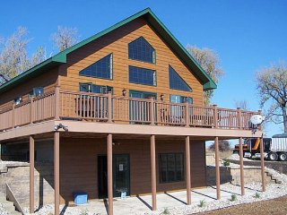 DoubleP Ranch: South Dakota Hunting and Fishing Lodge The 'Lakeview'