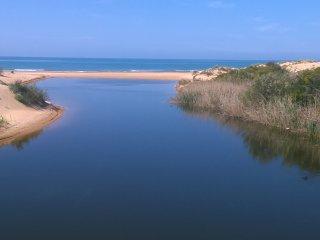 """casa vacanze """"occhi blu"""" vicino alla scogliera regilione vicino al mare, Marina di Modica"""