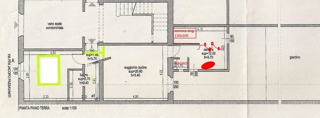 The plan of the loft, with the color yellow is the bedroom and the private bathroom
