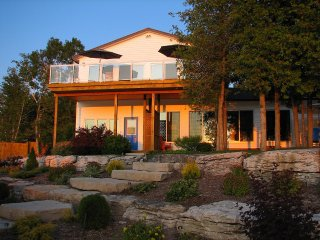 Mac's Shacks Waterfront Cottage Rentals - The Huron - 4 Seasons
