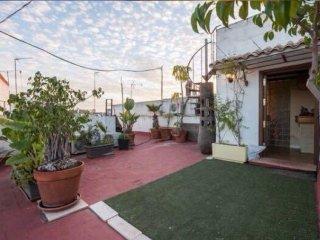 Giralda Views apartment in Santa Cruz – Catedral with WiFi, privéterras & lift.