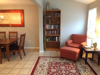 Spacious New Townhouse - 10 mins from PSU & Beaver Stadium!, Bellefonte