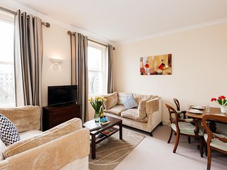 Queens Gate Duplex apartment in Kensington & Chelsea with WiFi & lift.