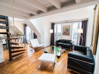 L'Ecrin apartment in 06eme - St Germain des Pres with WiFi, air conditioning & l
