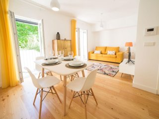 Intendente Modern apartment in Graça with WiFi, airconditioning & lift., Lissabon