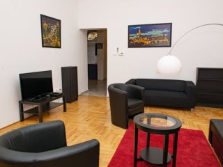 Spacious Lord apartment in VI Terezvaros with WiFi & lift.