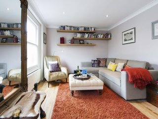South Kensington Courtfield Loft  apartment in Kensington & Chelsea with WiFi.