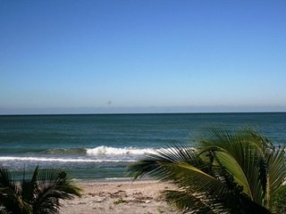 Gulf of Mexico is your front yard ! Just Remodeled 11/2018 3BR/2.5 Bath