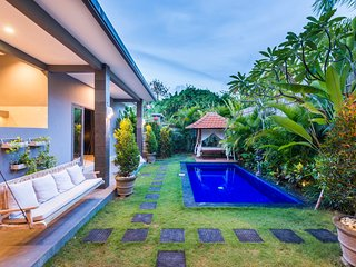 Villa Cecilia *BEACH JUST 200m, Canggu
