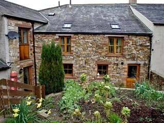 THE HAYLOFT COTTAGE, Eaglesfield, Nr Cockermouth