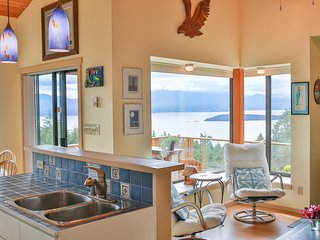 Sunset Solace Cottage on Salt Spring Island, Vesuvius