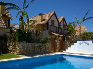 Casa con piscina, aire acondicionado y calefacción, barbacoa y cerca de la playa
