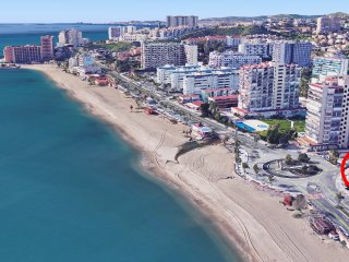 Sunny and spacious apartment on the beachfront, fully furnished and equipped