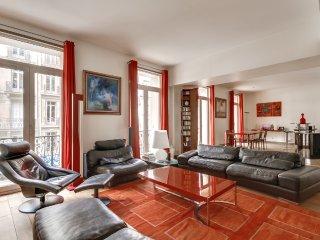 Grand 2 pièces dans le 8 ème arrondissement